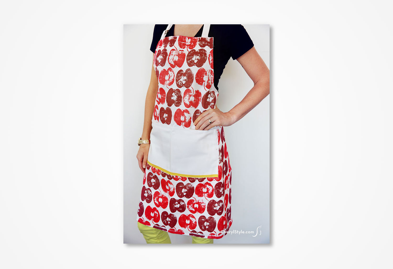cs-apple-stamp-apron-1.jpg