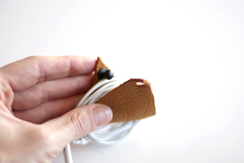 Earbud Holder DIY