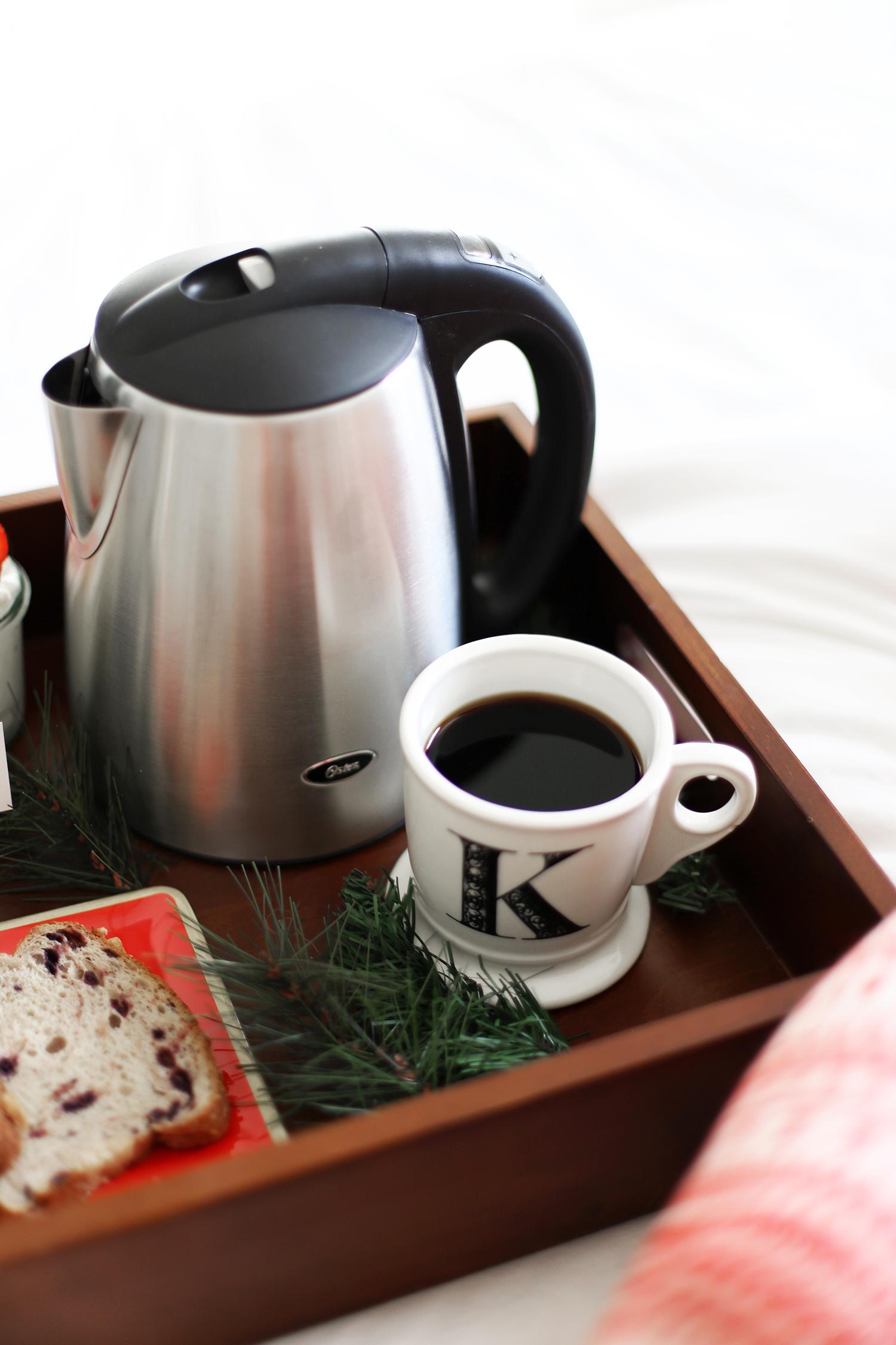 breakfast in bed coffee