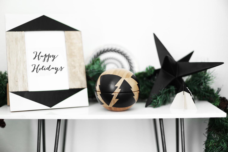 Christmas shelf decorations