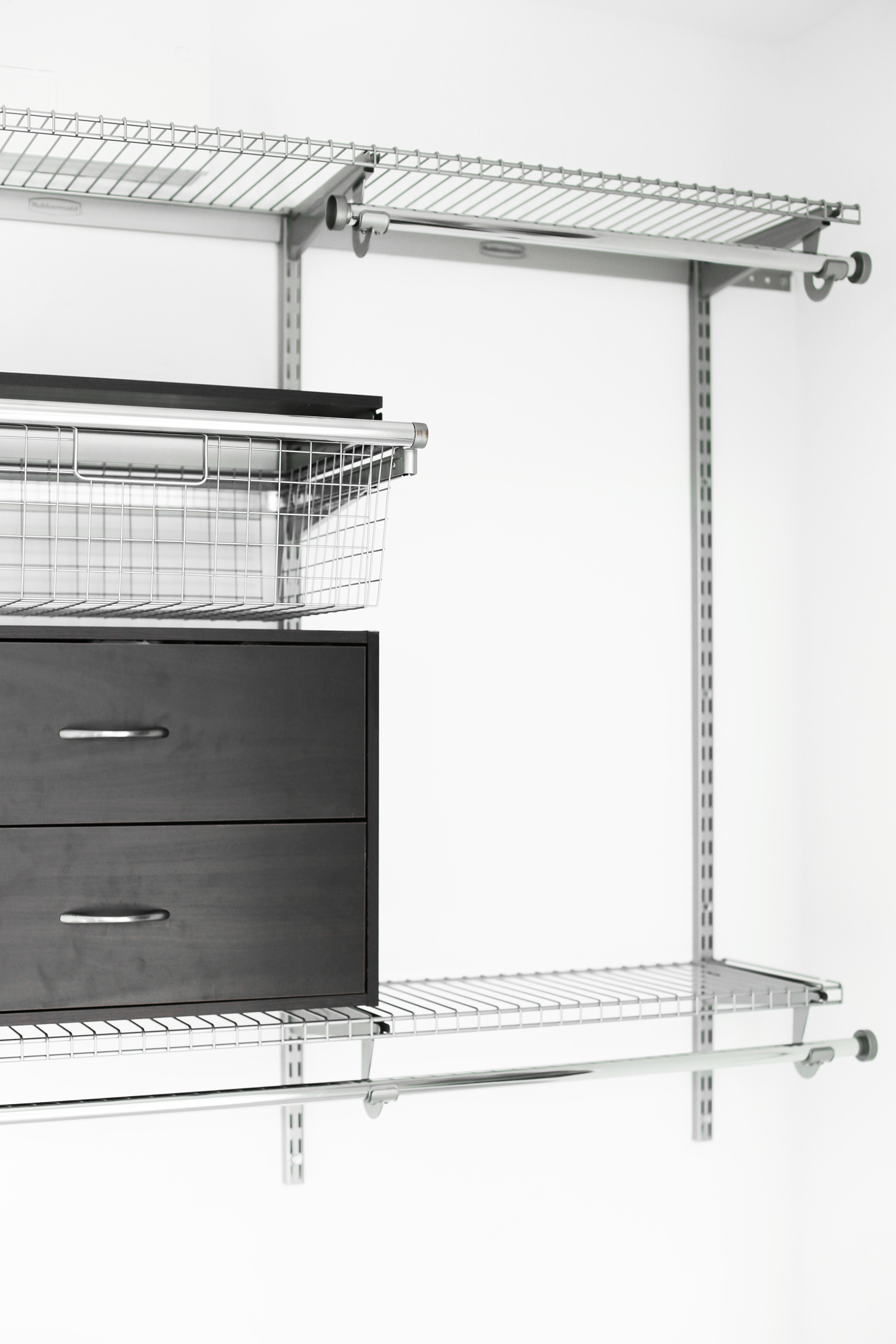 closet makeover with rubbermaid homefree closet kit