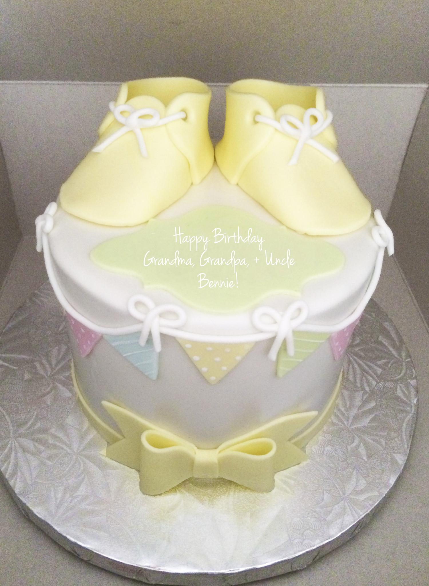pregnancy announcement cake ideas