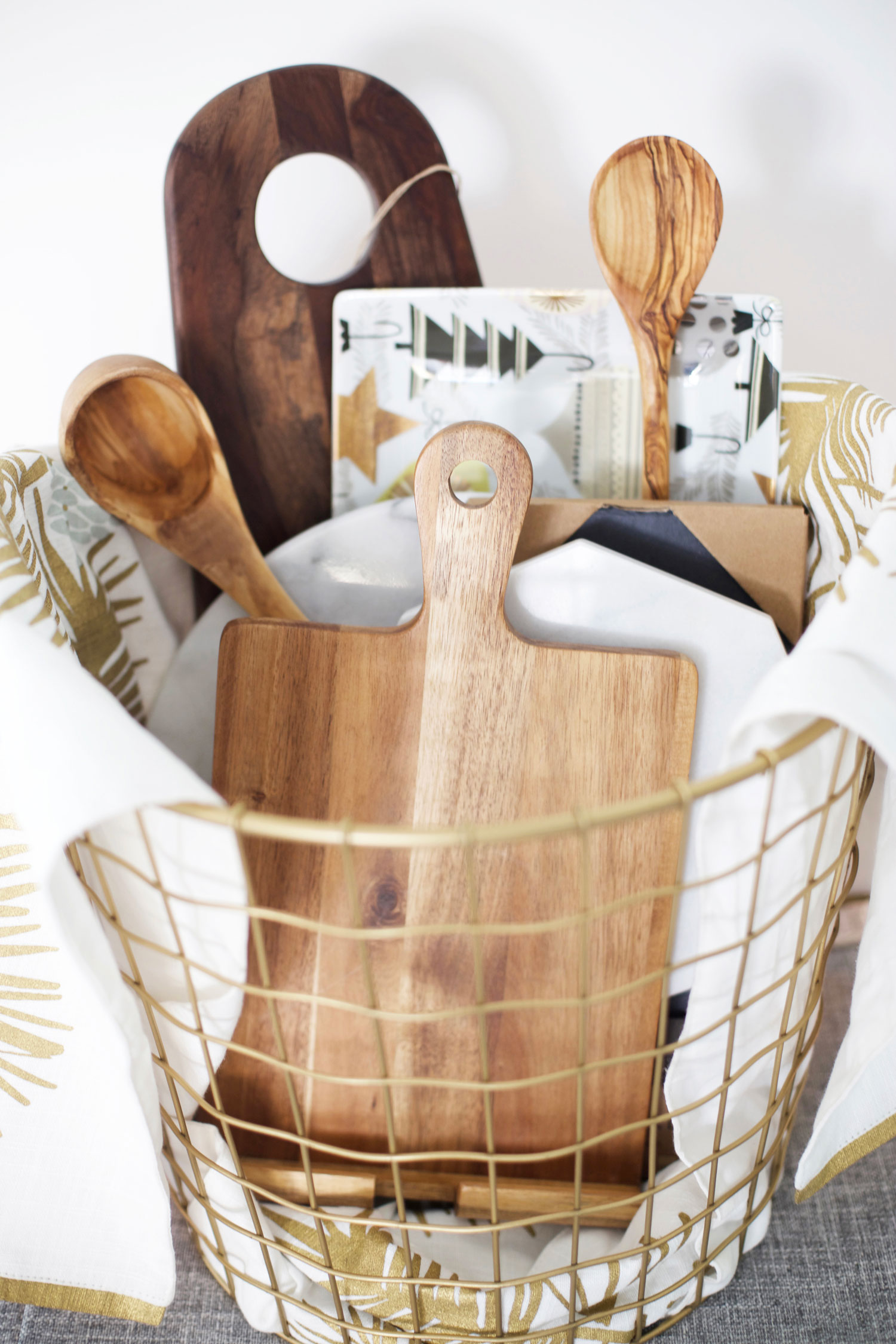 things to put in gift baskets