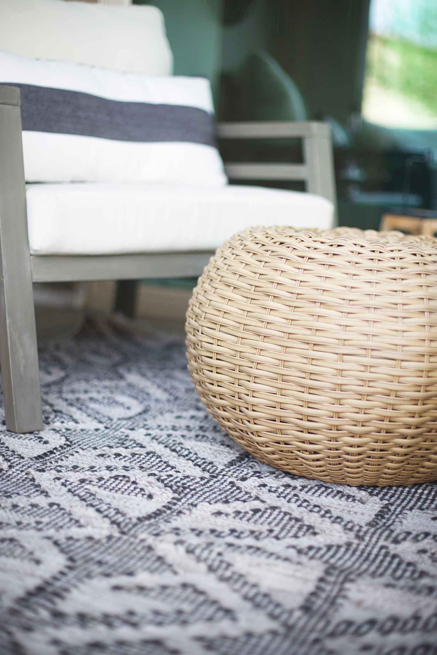 outdoor pouf ideas