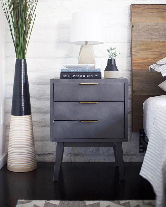 "A lil moment from the makeover I did at my dad's loft with @stikwooddesign. #ad I loved the size and style of these nightstands, but the pistachio color wasn't quite right. So I spray painted them. The color is Rustoleum's ""soft iron."" I love it! And that reclaimed headboard is a 20 minute DIY. Link in profile or check out my IGTV video. 👆🏻#stikwood #diyblogger #diybloggers #diyhomedecor #diydesign #arizonablogger #arizonabloggers #azblogger #azbloggers #bedroom #nightstand #bedroomdecor #bedroominspo #bedroomideas #diyheadboard #reclaimed #reclaimedwood"