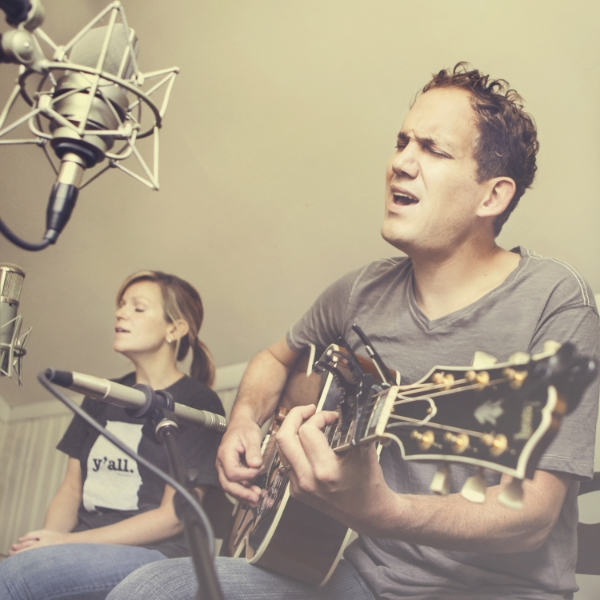 Songwriter  Corey Nolen and singer Ashley Spurling entertain in the best sense of its meaning.