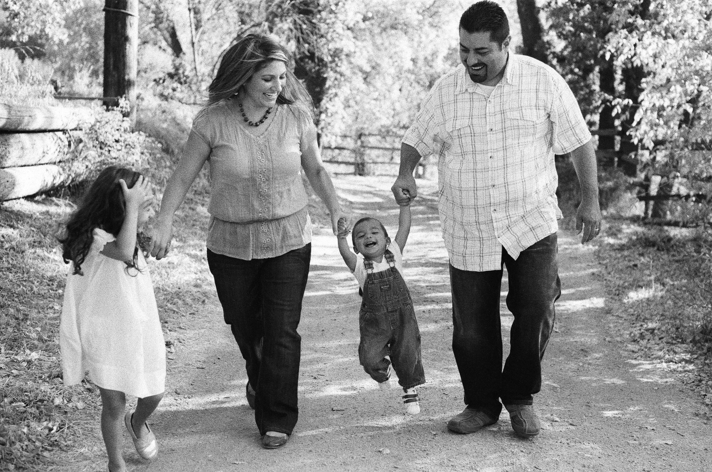 Zamora-Family-39.jpg