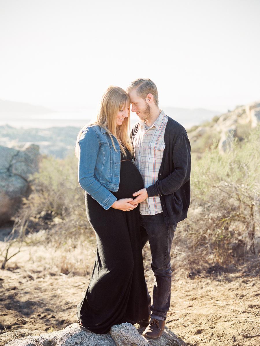 mikethezierphotography-pine-pregnancy-blog-2.jpg