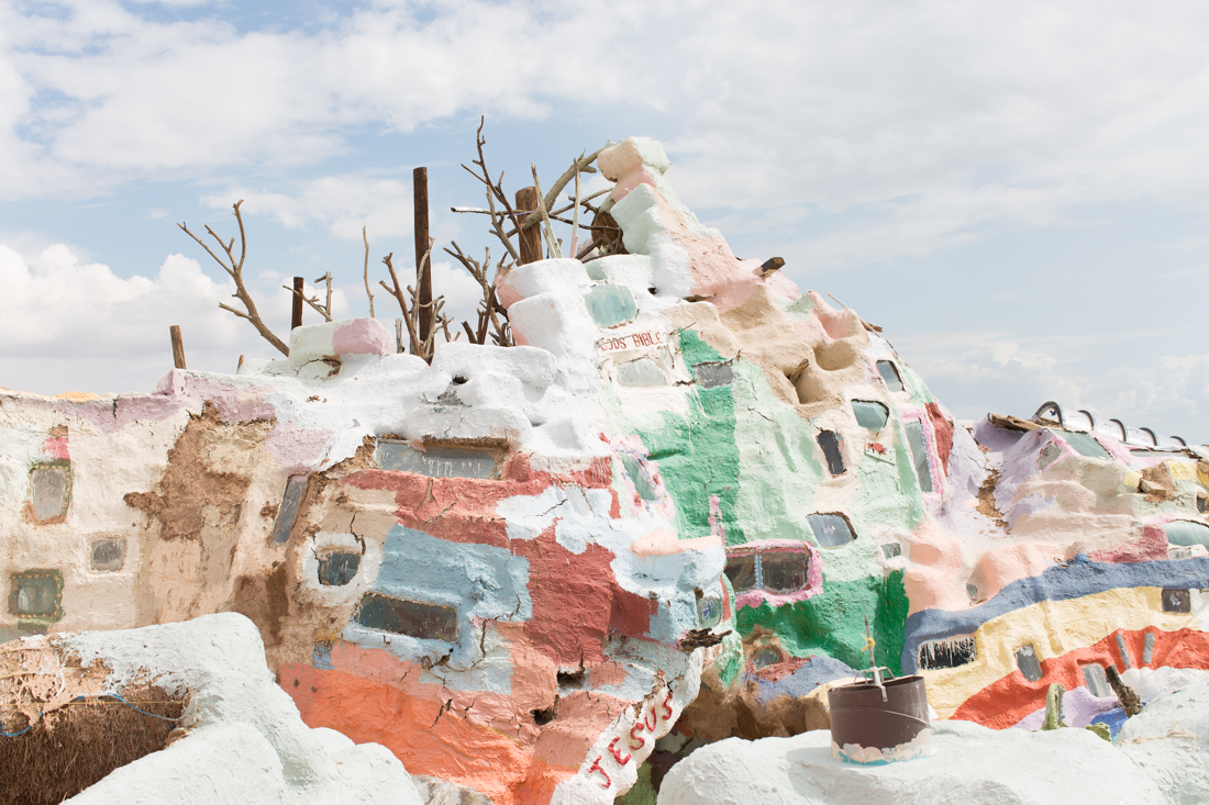 olivia_ashton_photography_roadtrip_salvation_mountain