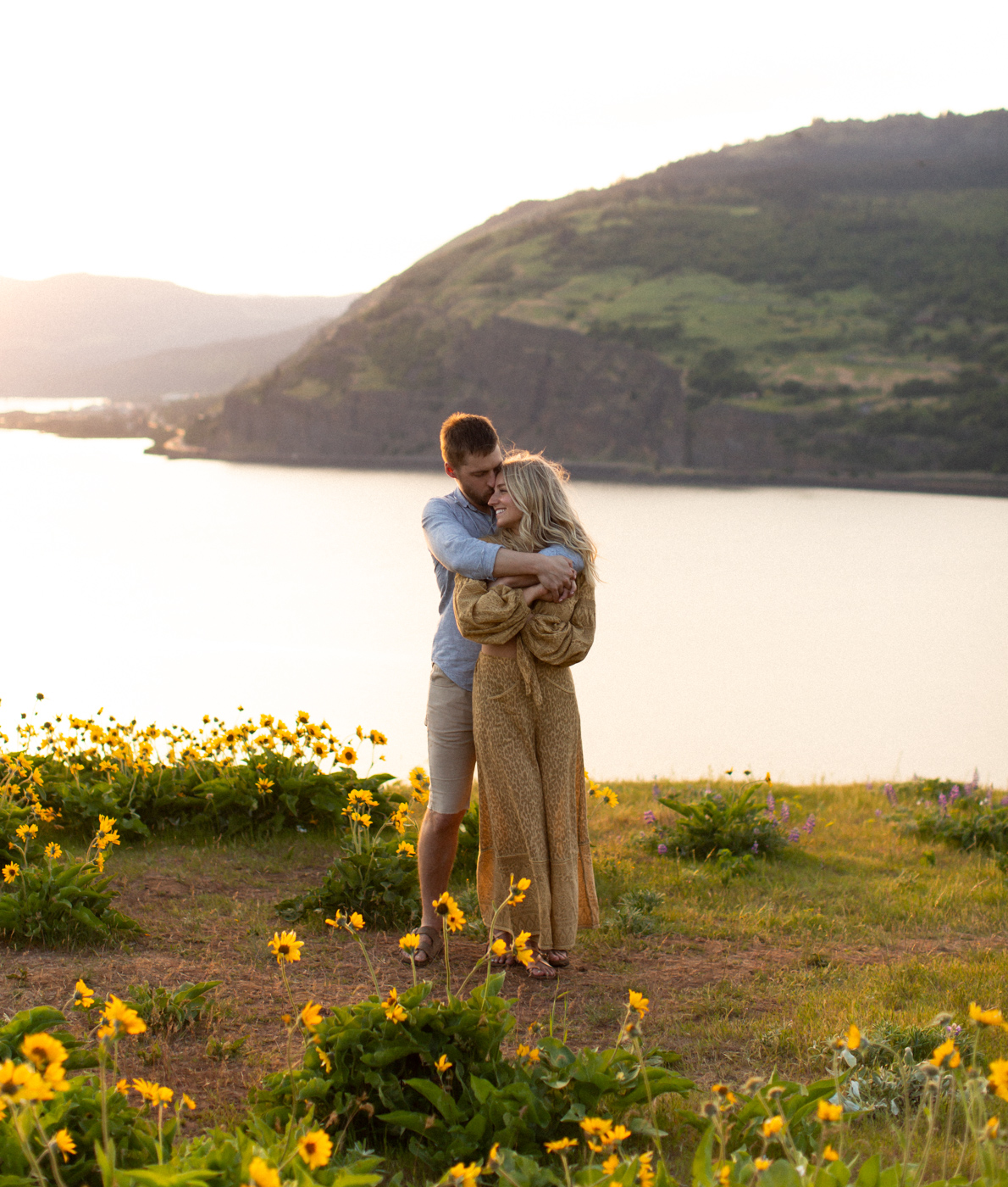 Emily+Daniel_Oregon_Engagement_Session-1-3.jpg