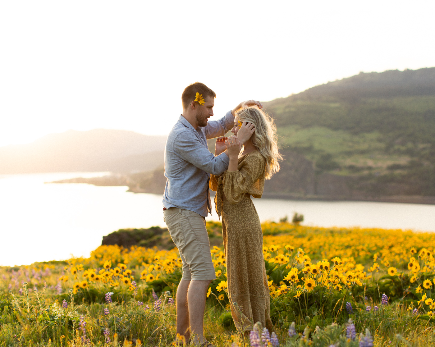 Emily+Daniel_Oregon_Engagement_Session-1-10.jpg