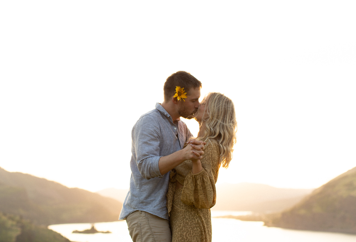 Emily+Daniel_Oregon_Engagement_Session-1-20.jpg