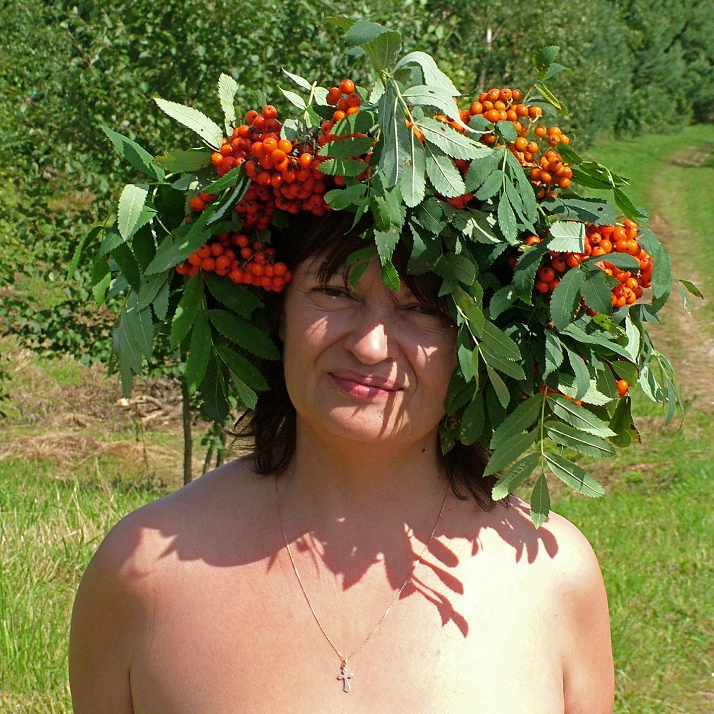 "Galina Troshkova in Ryabina Wreath, 2008  24"" x 24"""