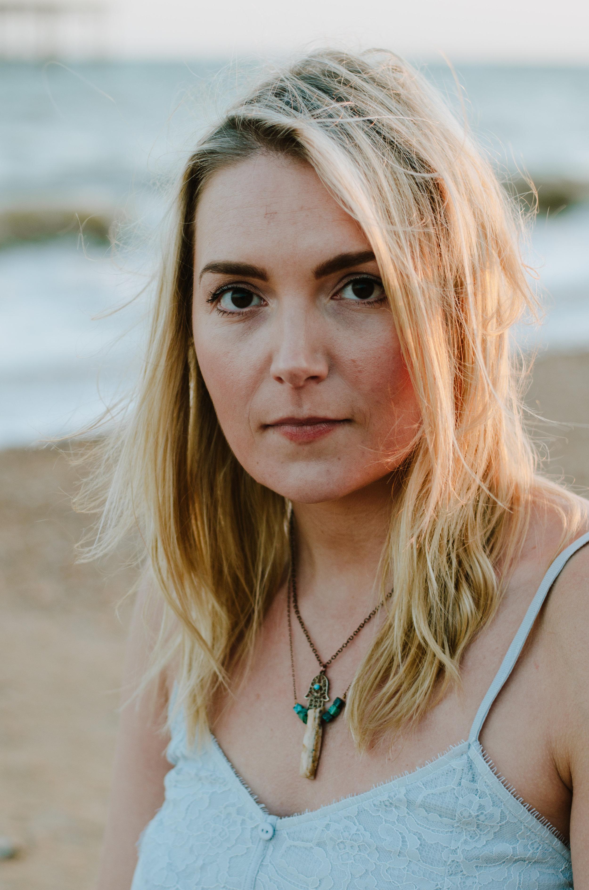 Hannah Portraits by the Sea - Aiste Saulyte Photography-15.jpg