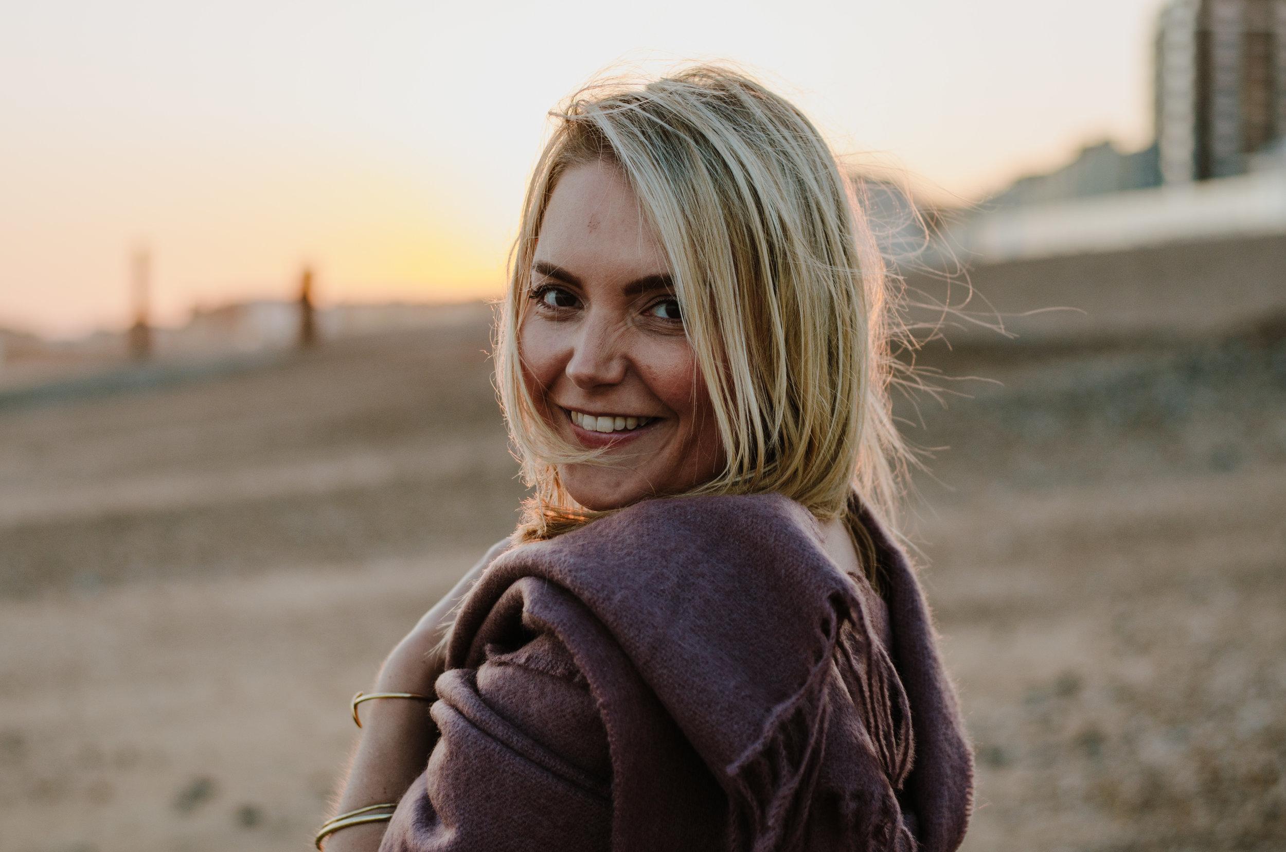 Hannah Portraits by the Sea - Aiste Saulyte Photography-22.jpg