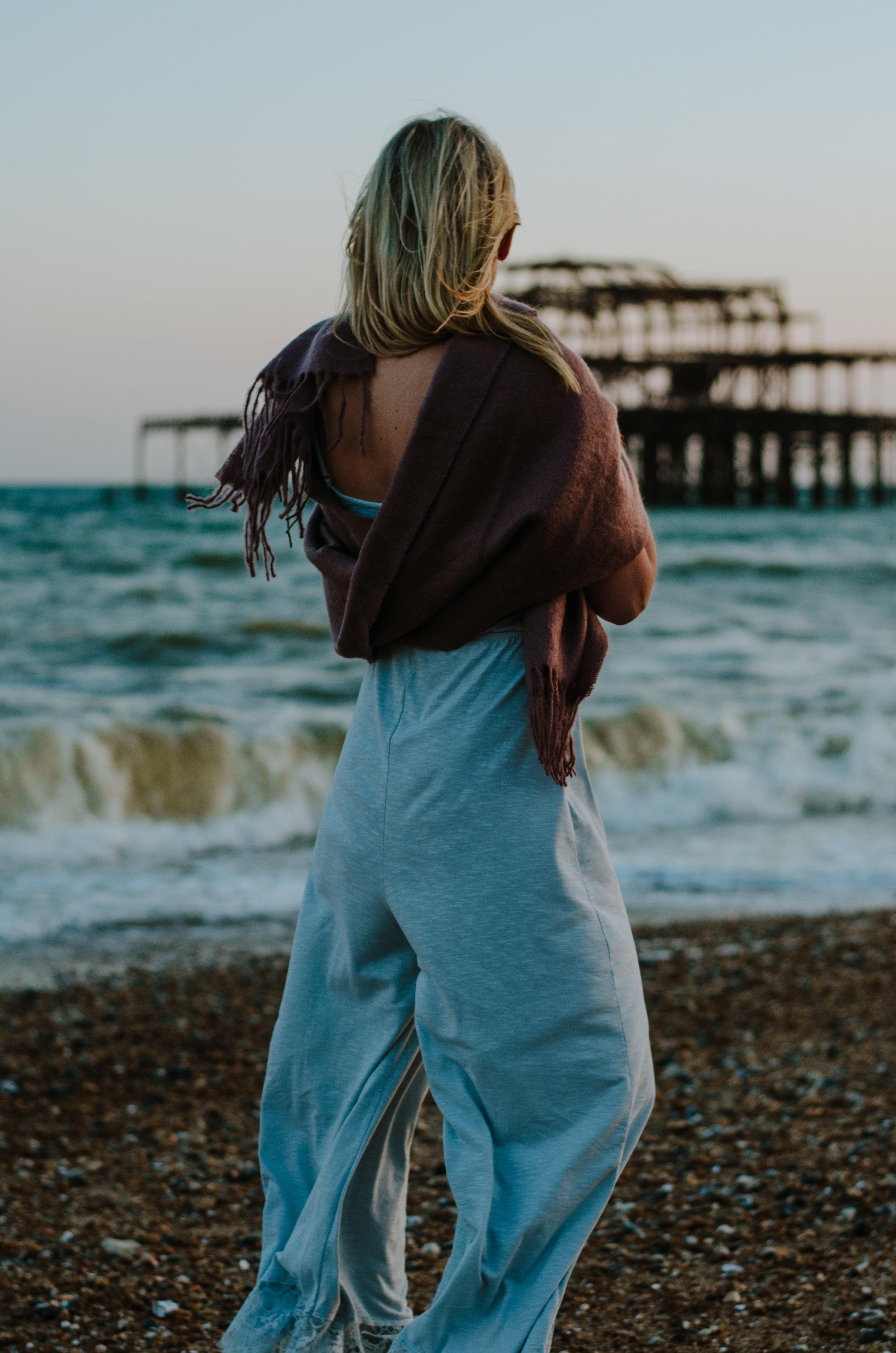 Hannah Portraits by the Sea - Aiste Saulyte Photography-29.jpg