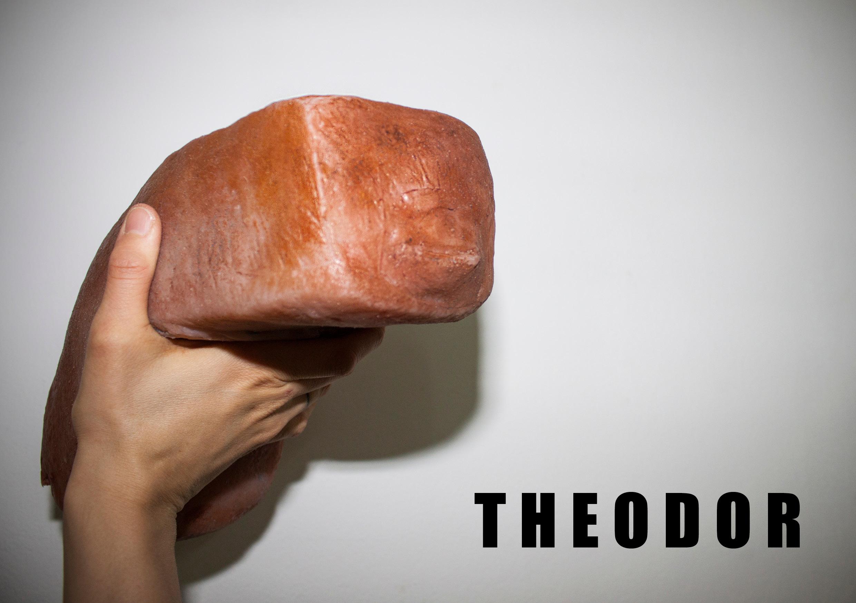 Theodorhand.jpg