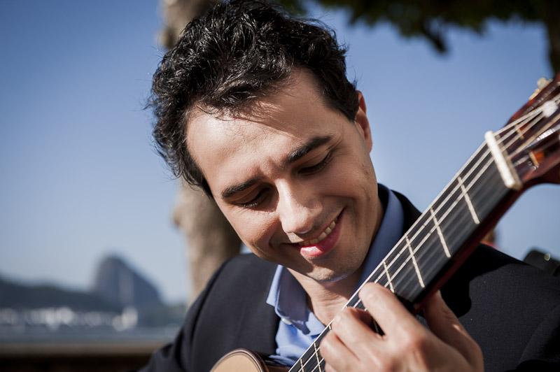 Joao Kouyoumdjian, Guitar