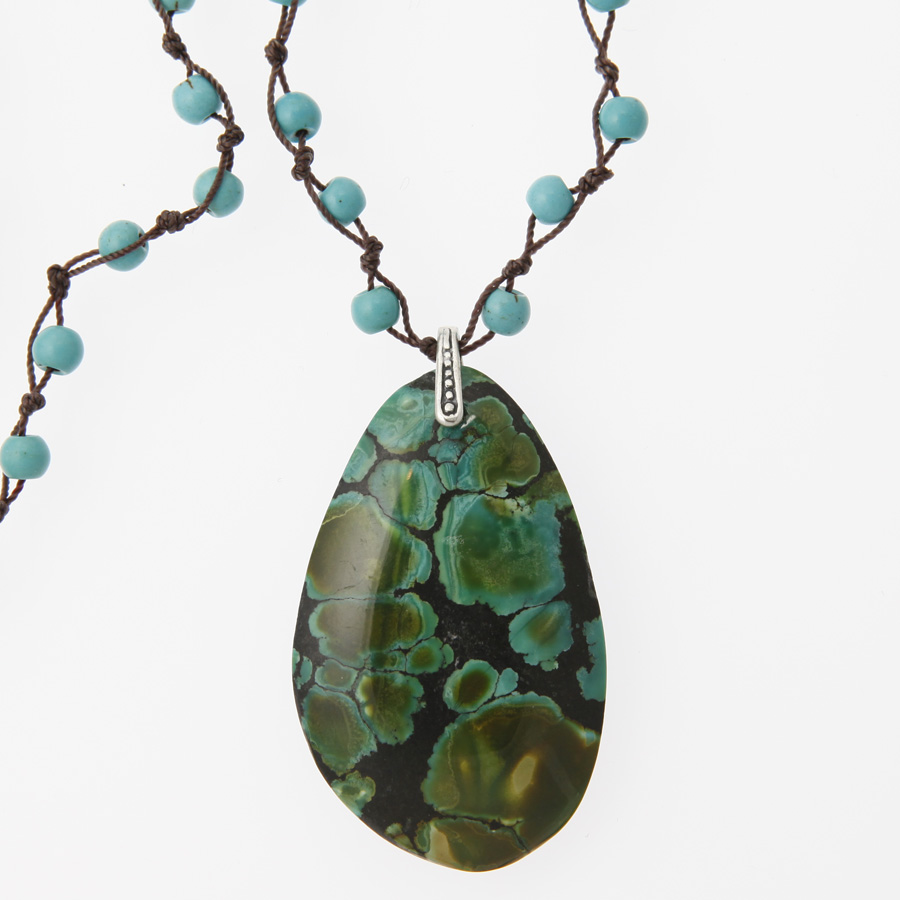 turquoise necklace.jpg
