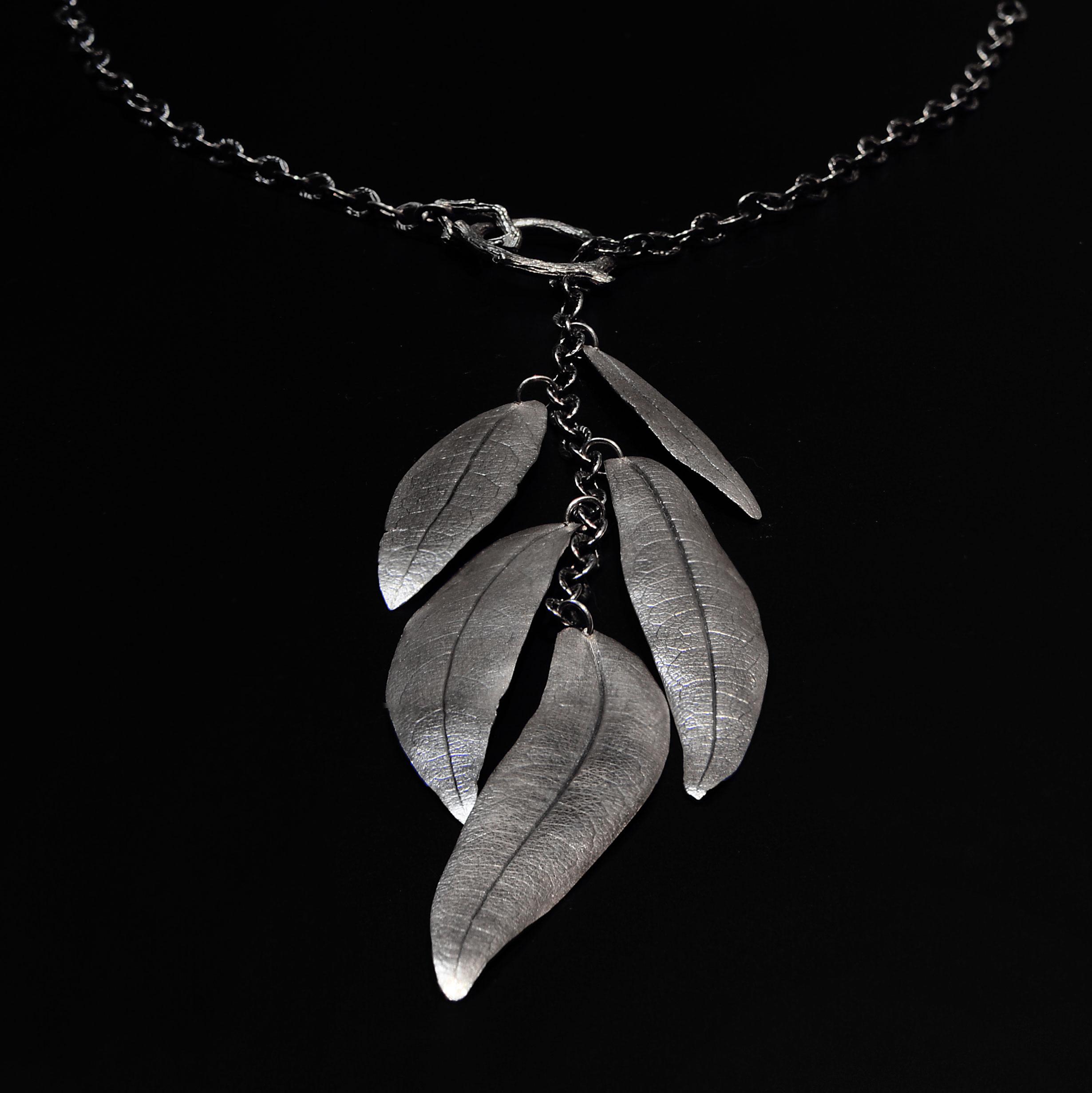 eucalyptus-lariat-necklace-michelle-hoting-web.jpg