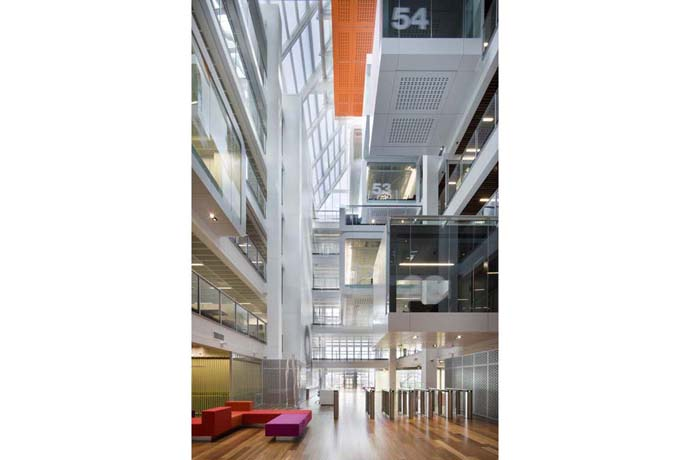 maquarie group headquarters: bank offices in sydney australia 4