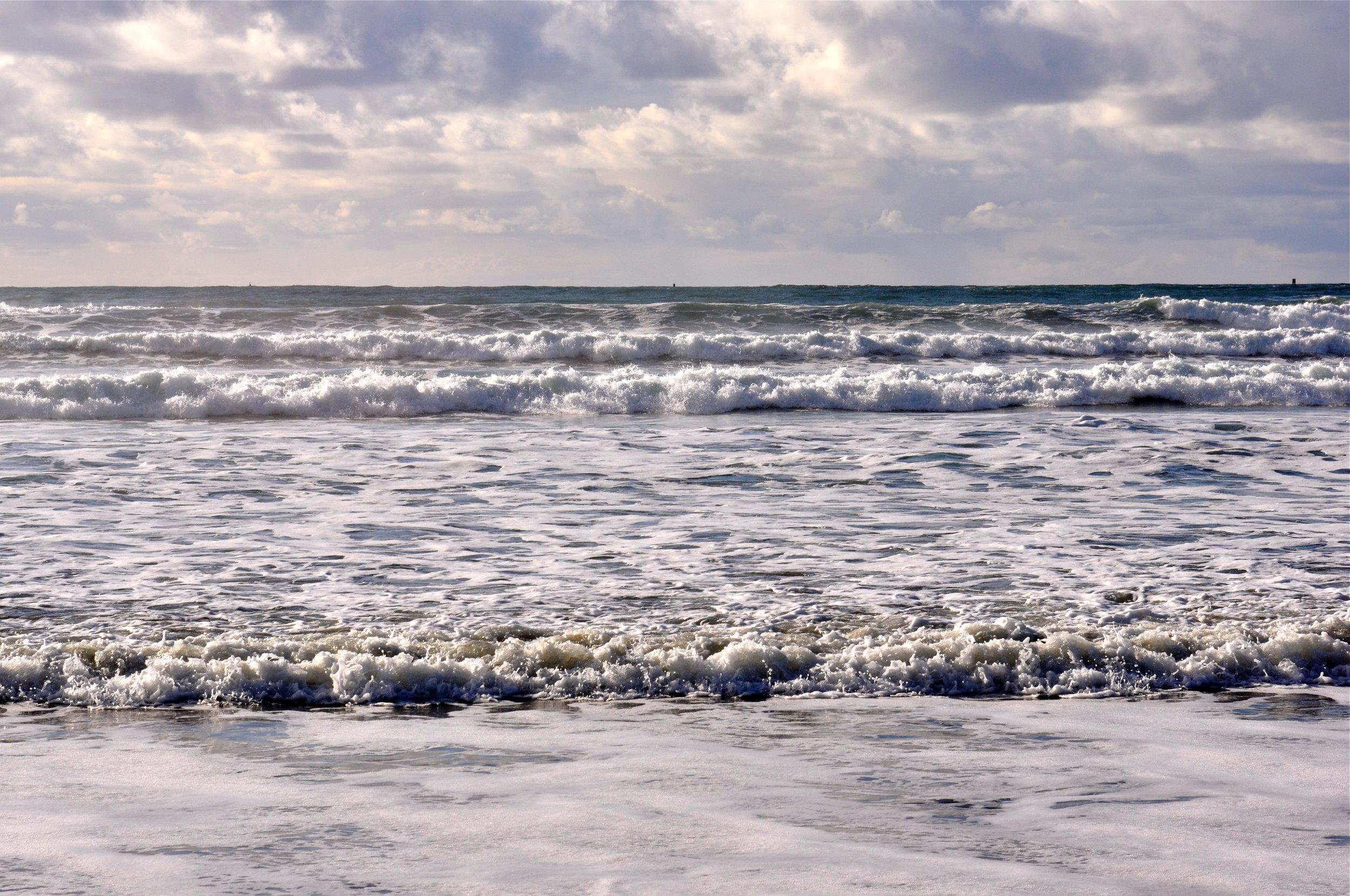 Ocean waves.jpg