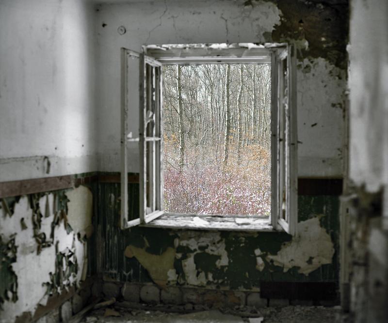 Abandoned Room (Soviet Base, Szentkiralyszabadja, West Hungary, 2011)