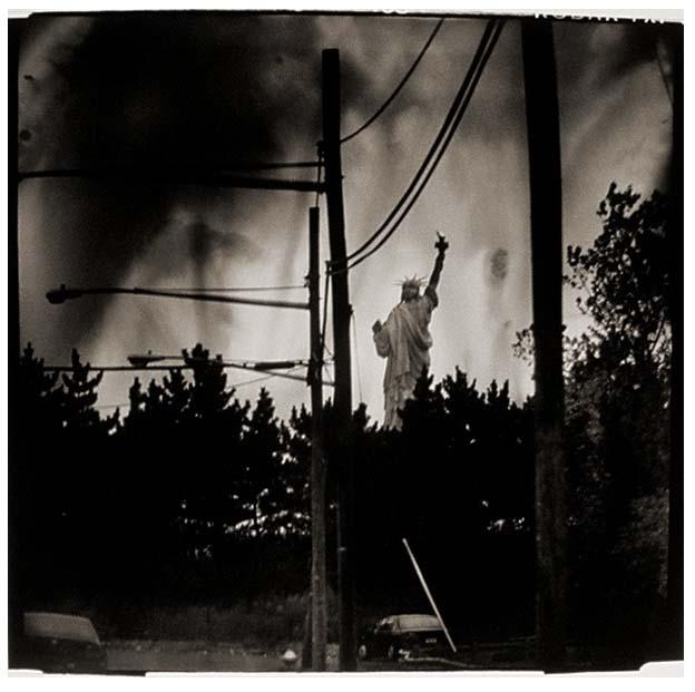 - Crossed WiresJames FeeLoaned to the Nasher Museum of Art at Duke UniversityDurham, North Carolina, 2013