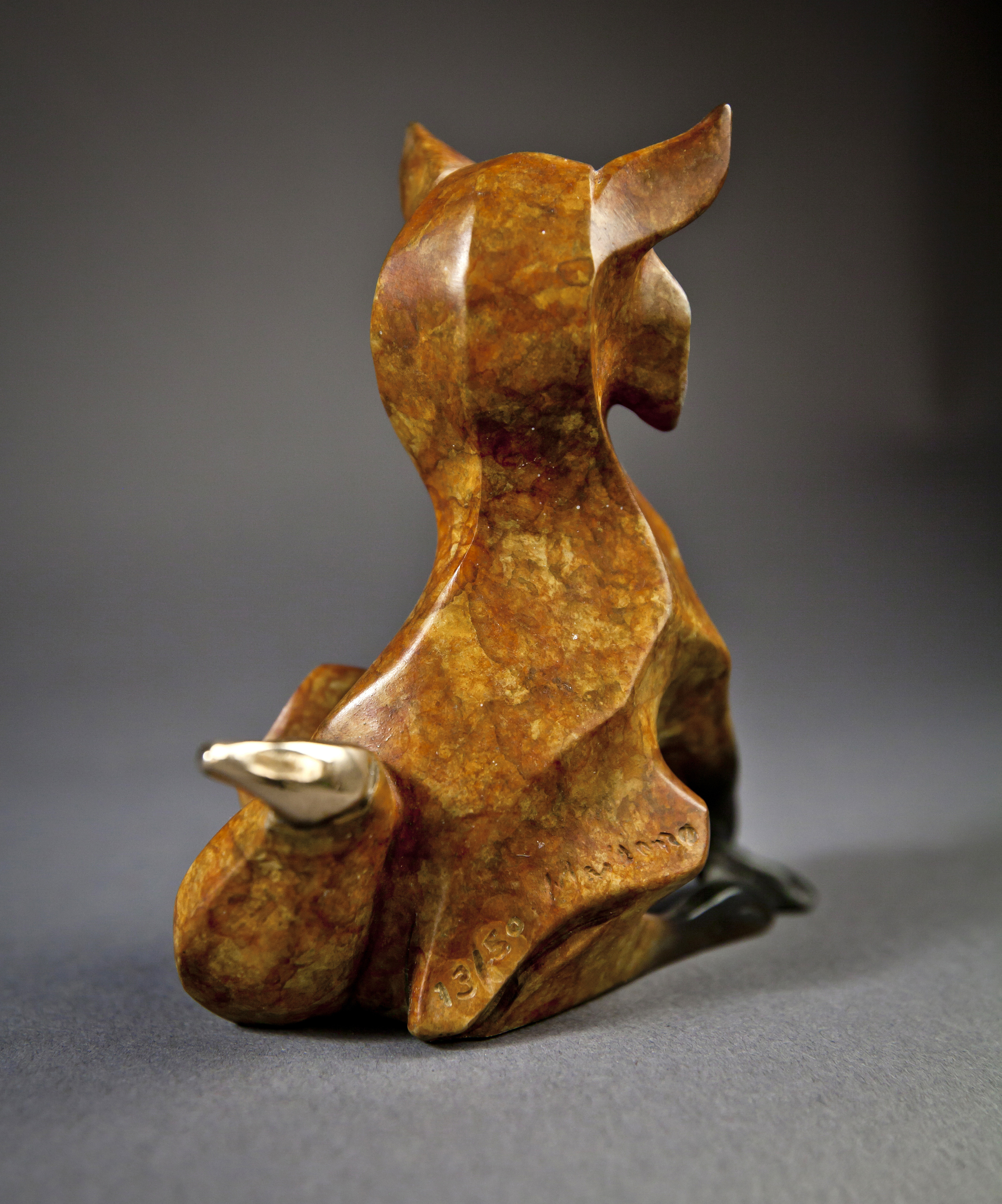 bronze-fox-sculpture-by-john-maisano-4.jpg