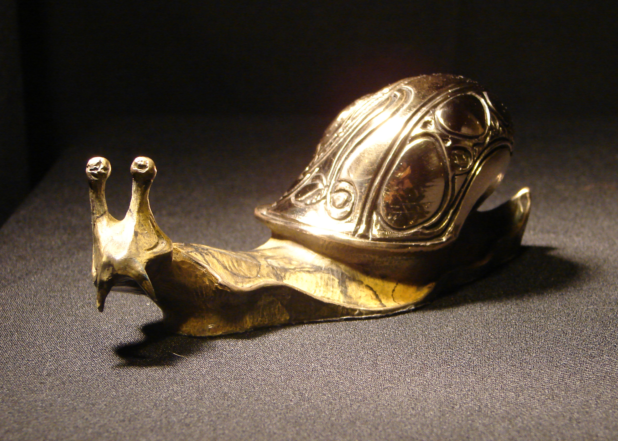 bronze-medium-snail-sculpture-john-maisano-2.jpg