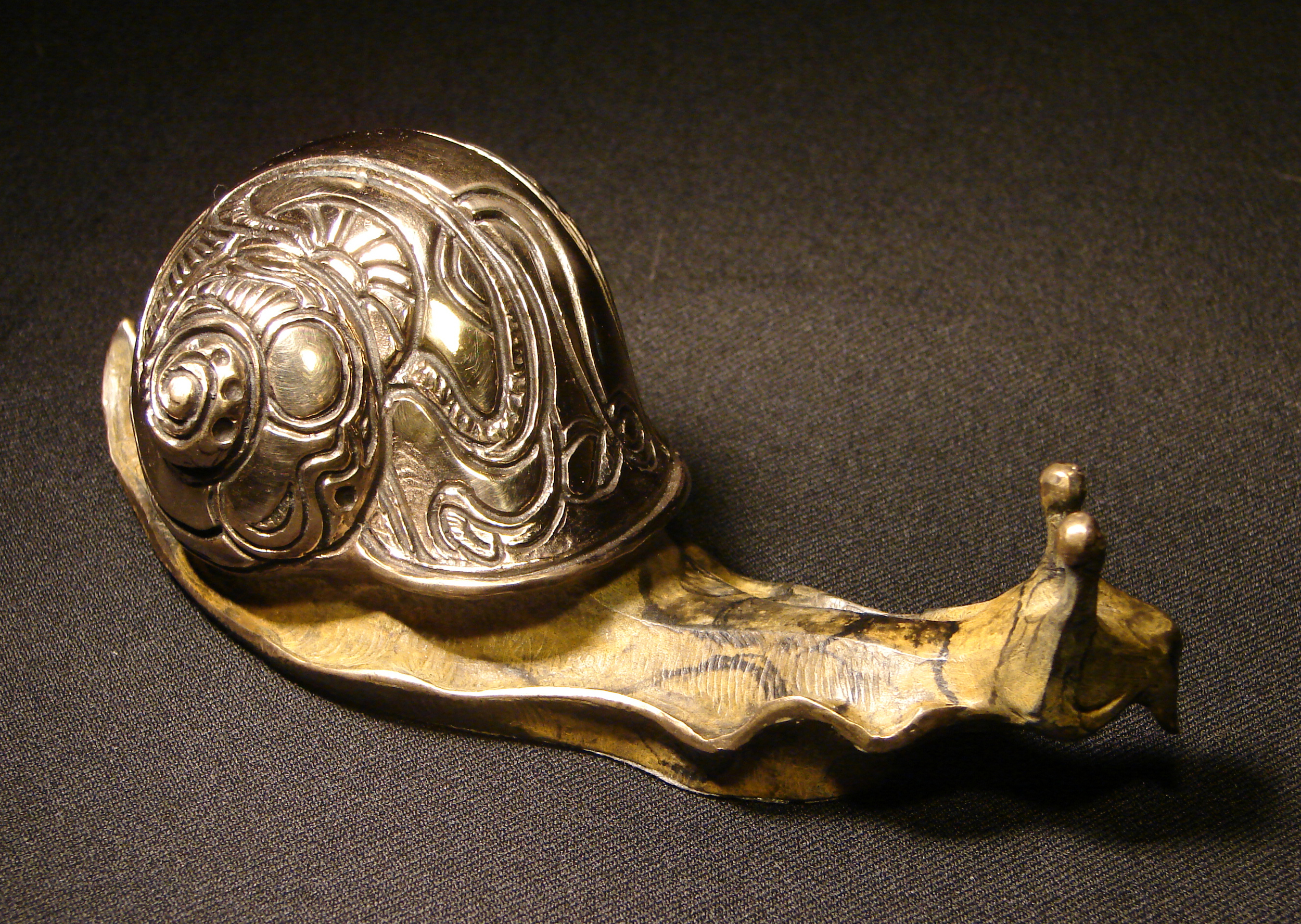 bronze-medium-snail-sculpture-john-maisano-1.jpg