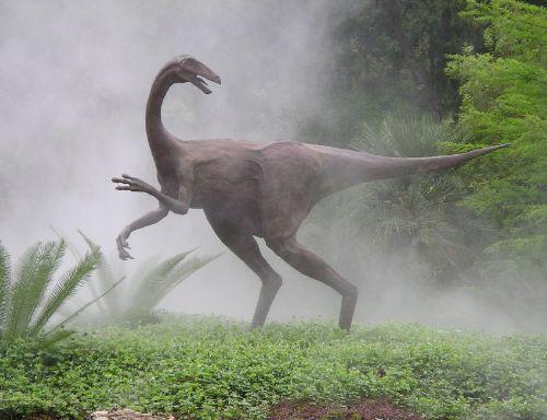 bronze-dinosaur-ornithomimid-statue-john-maisano-3.jpg