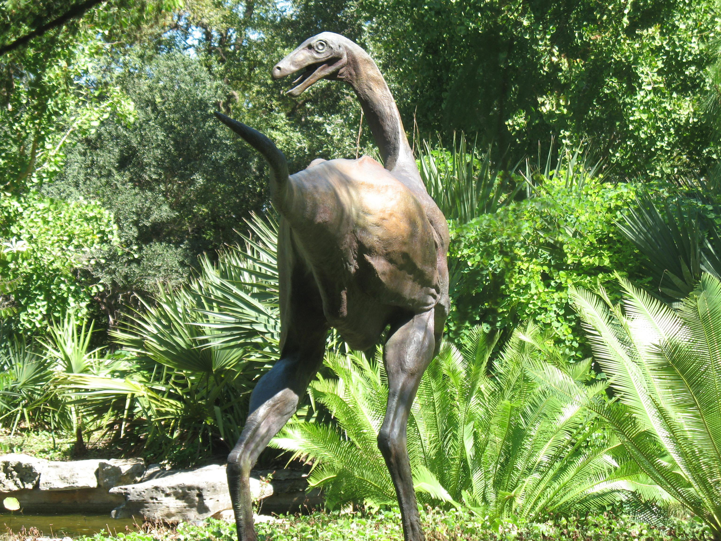 bronze-dinosaur-ornithomimid-statue-john-maisano-5.jpg