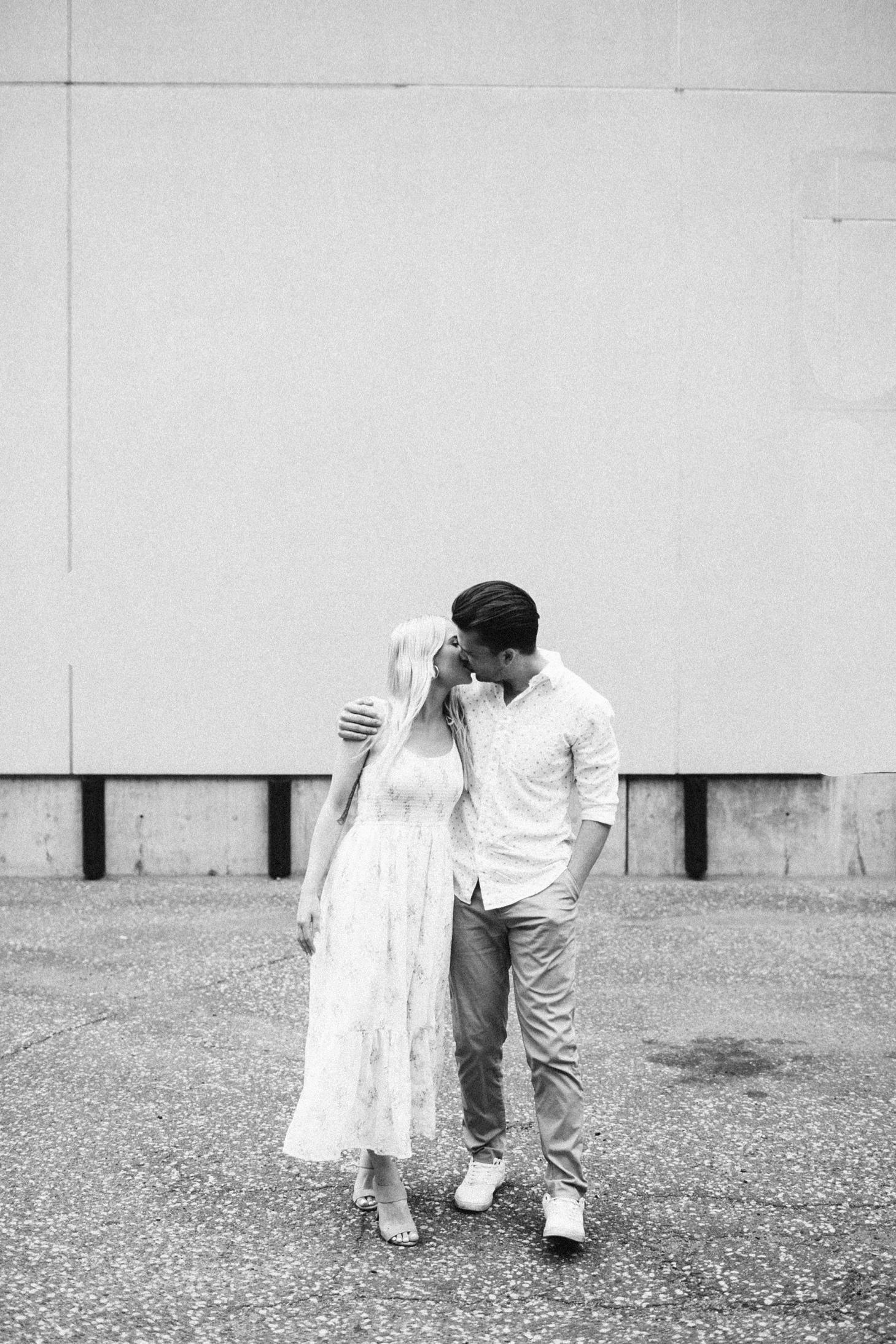 13_engagements-51_urbanphotography_stpaulphotos,_mnweddingphotographer,_kileymarissaphotography,_stpaulengagement,_stpaulminnesota_kileymarissa,_mnengagementphotos,.jpg