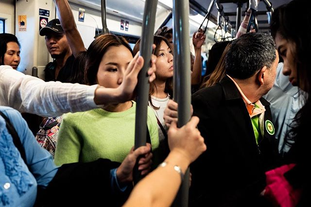 Bangkok, 2016 . . . #burnmyeye #friendsinperson #life_is_street #lfimagazine #leicaQ #leicathailand #thailand #bangkok #streetphotographycommunity #everybodystreet #streetphotography #capturestreets #ourstreets #challengerstreets
