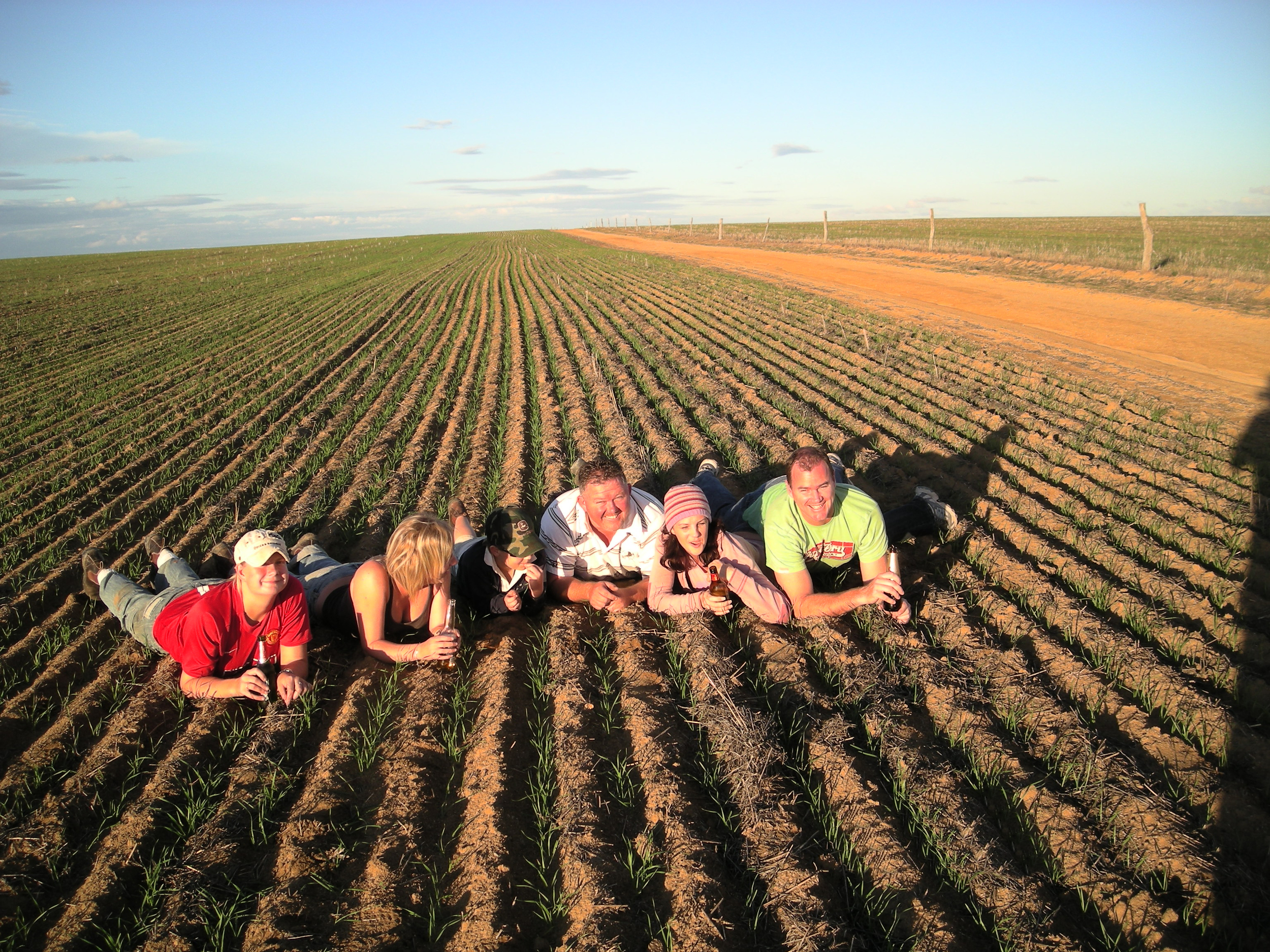 Working on a farm will get you out meeting real Australians AND get you your second year visa!
