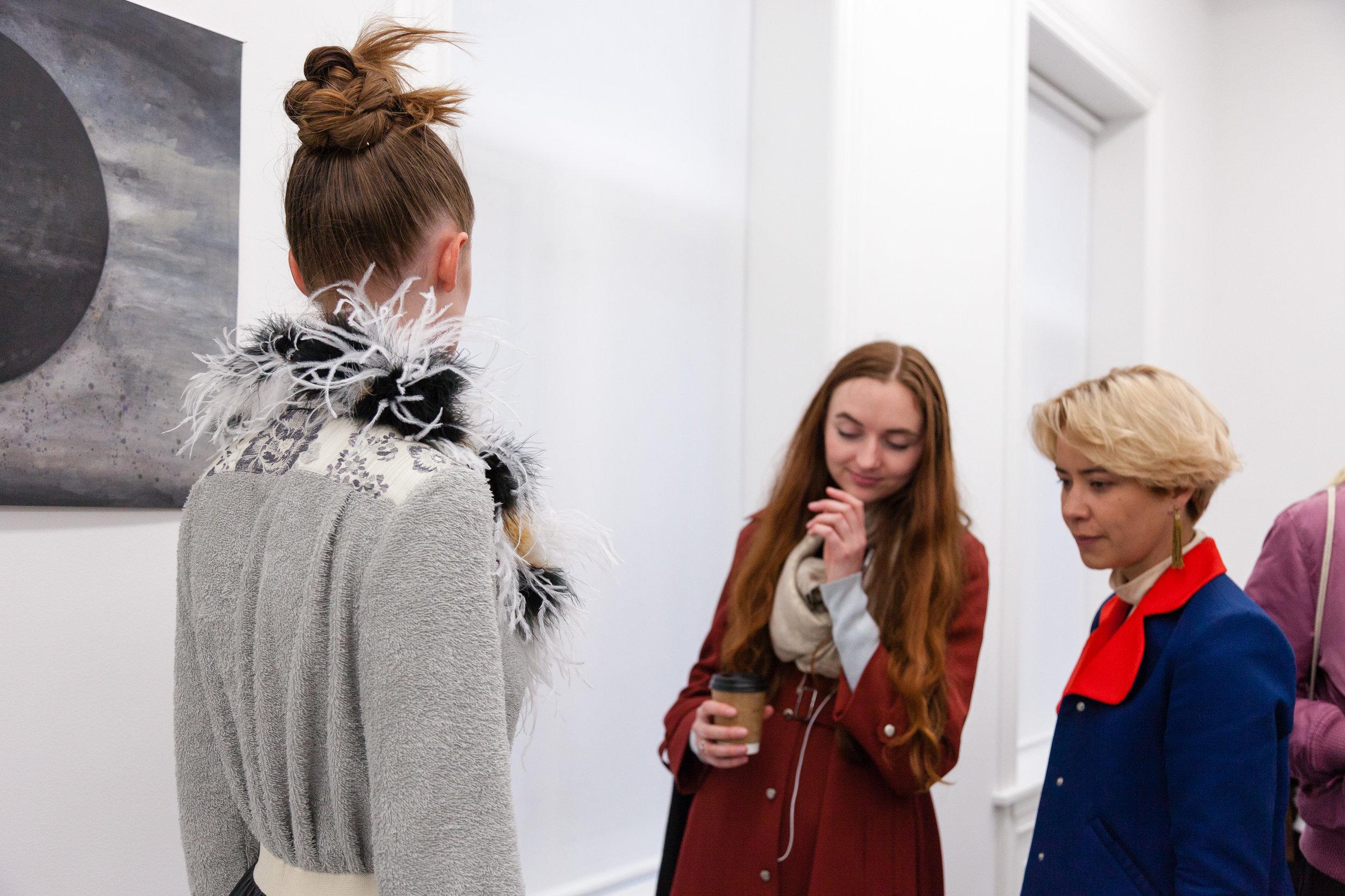 Admir Batlak – Déjà Vu (You Again) Fashion Show påGalleri Riis under Oslo Art Weekend, Oppdrag for Galleri Riis