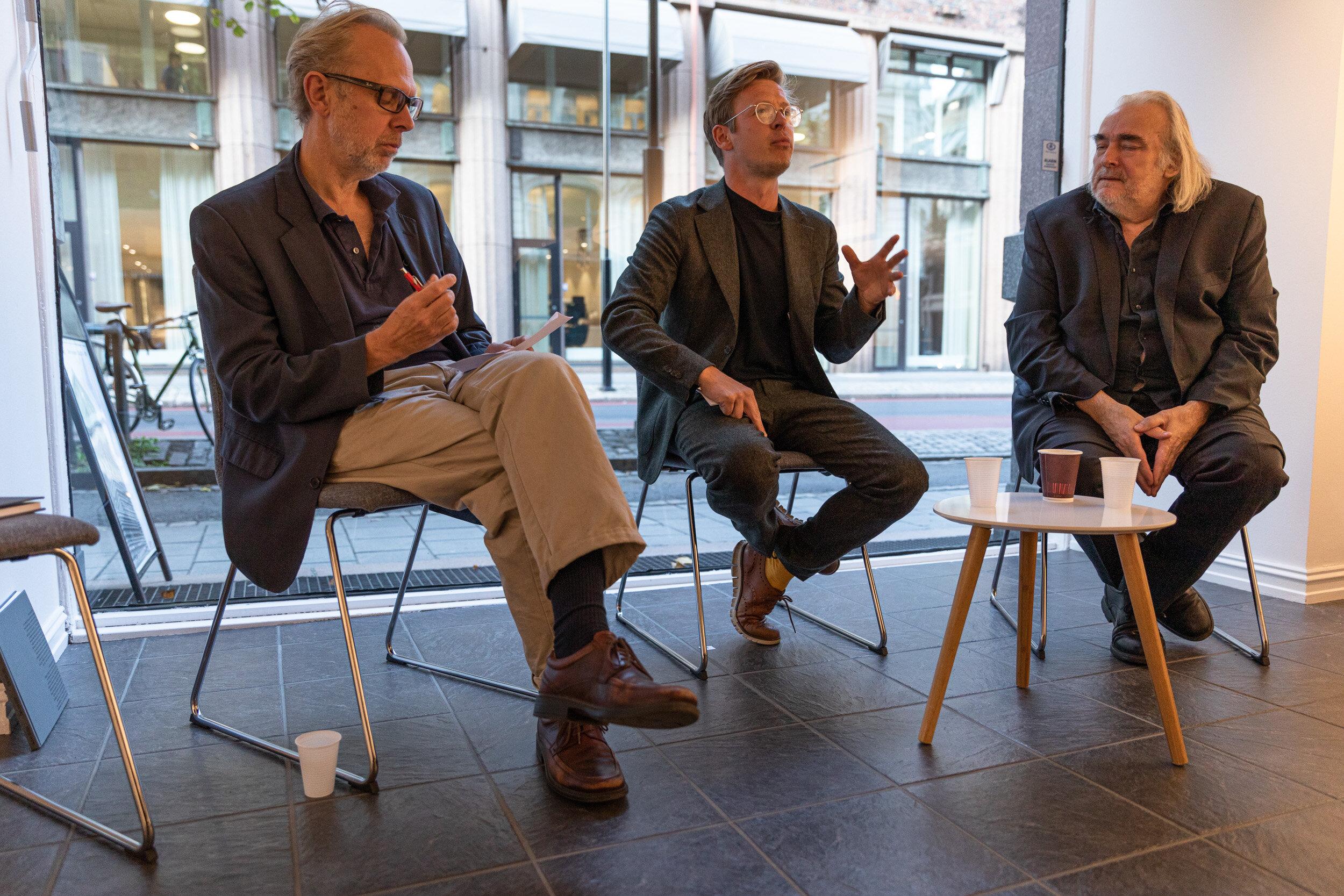 Byutviklingsamtale: Fra venstre: Hans Petter Blad, Halvor W. Ellefsen og Ole Robert Sunde.