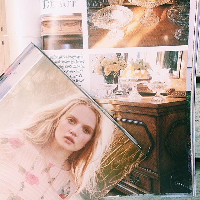 Taking inspiration from our extensive collection of vintage Victoria spring/summer magazines. . . #livingartfully #weddinginspo #cakedesigner #weddingaccessories  #artistinspo