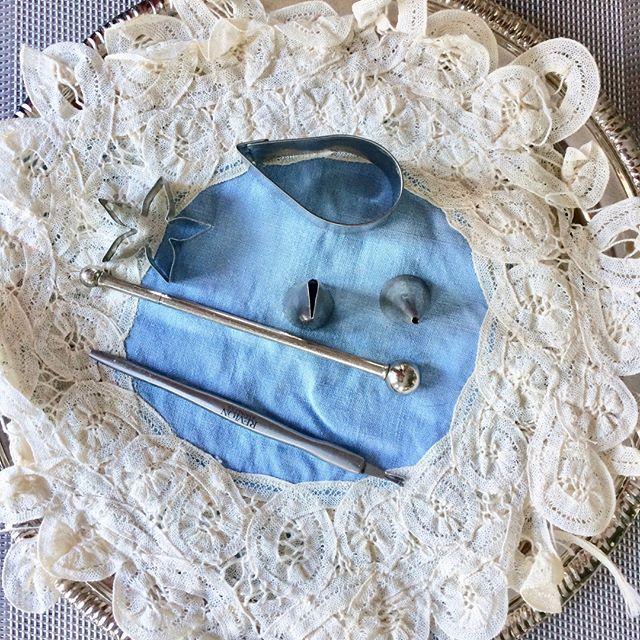 A cake designer's tools. 🍰 . . #cakedesigner #livingartfully #weddingcakes #torontocakeshop #torontocakedesigner