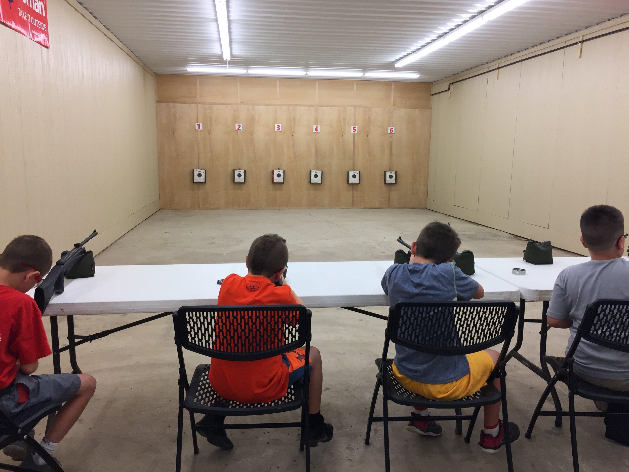 Indoor air rifle range