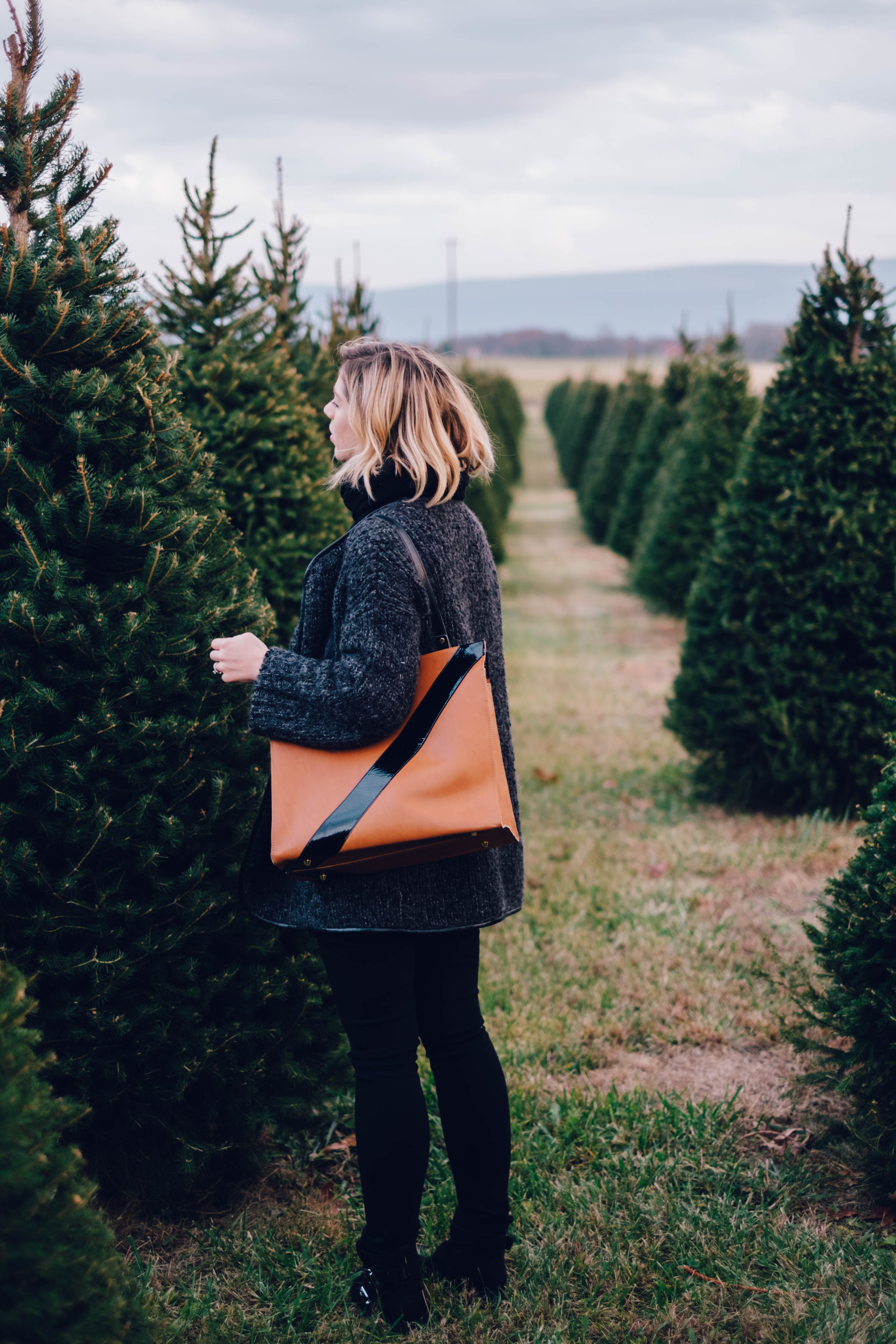 Christmas-Tree-Farm-Outfit-23.jpg
