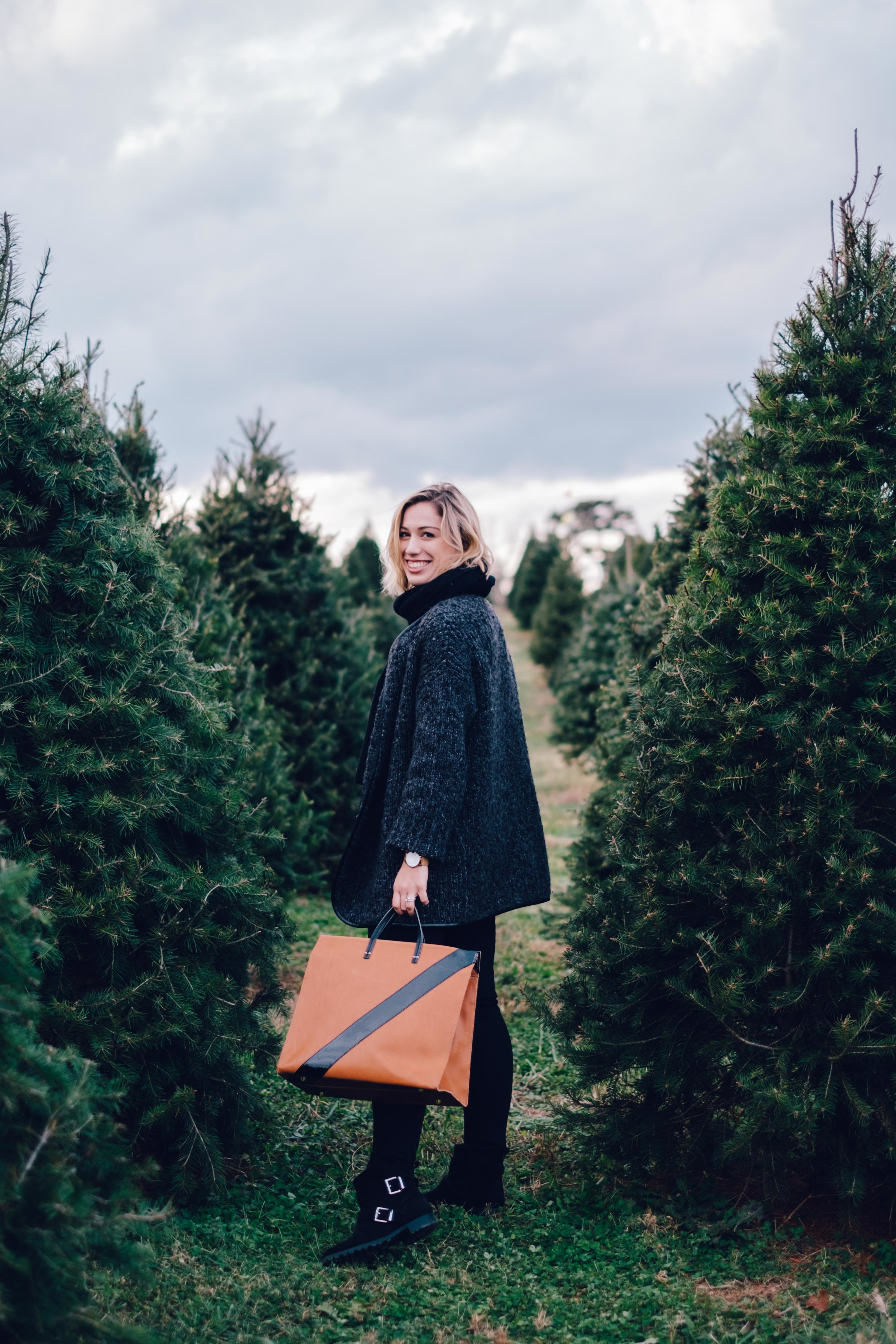 Christmas-Tree-Farm-Outfit-19.jpg