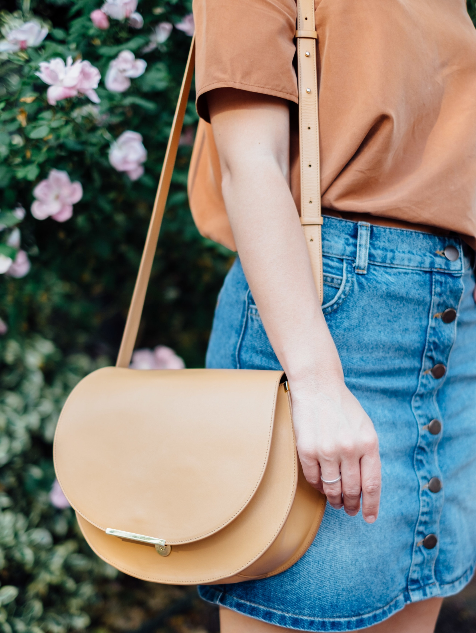 Cuyana-saddle-bag