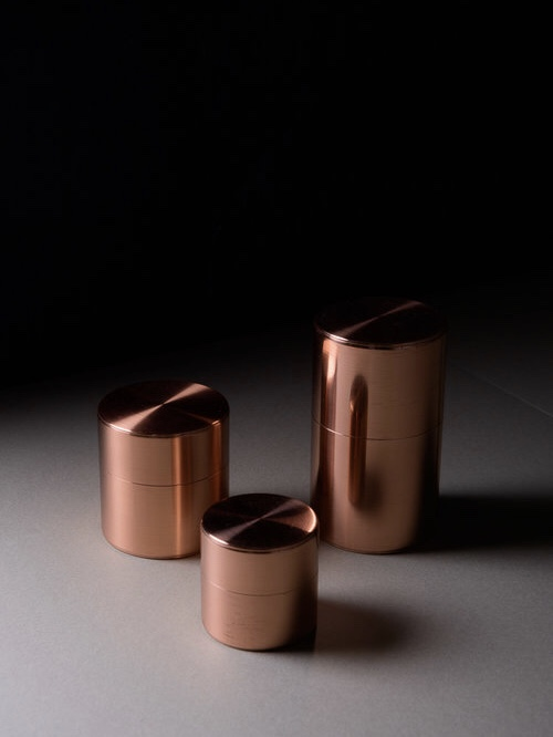 Due to handmade nature of the tea caddies, Kaikado only works with a select few showrooms and stores outside of Japan. Native & Co carries three sizes in both copper and brass. The three different sizes include 40g, 120g, and 200g.