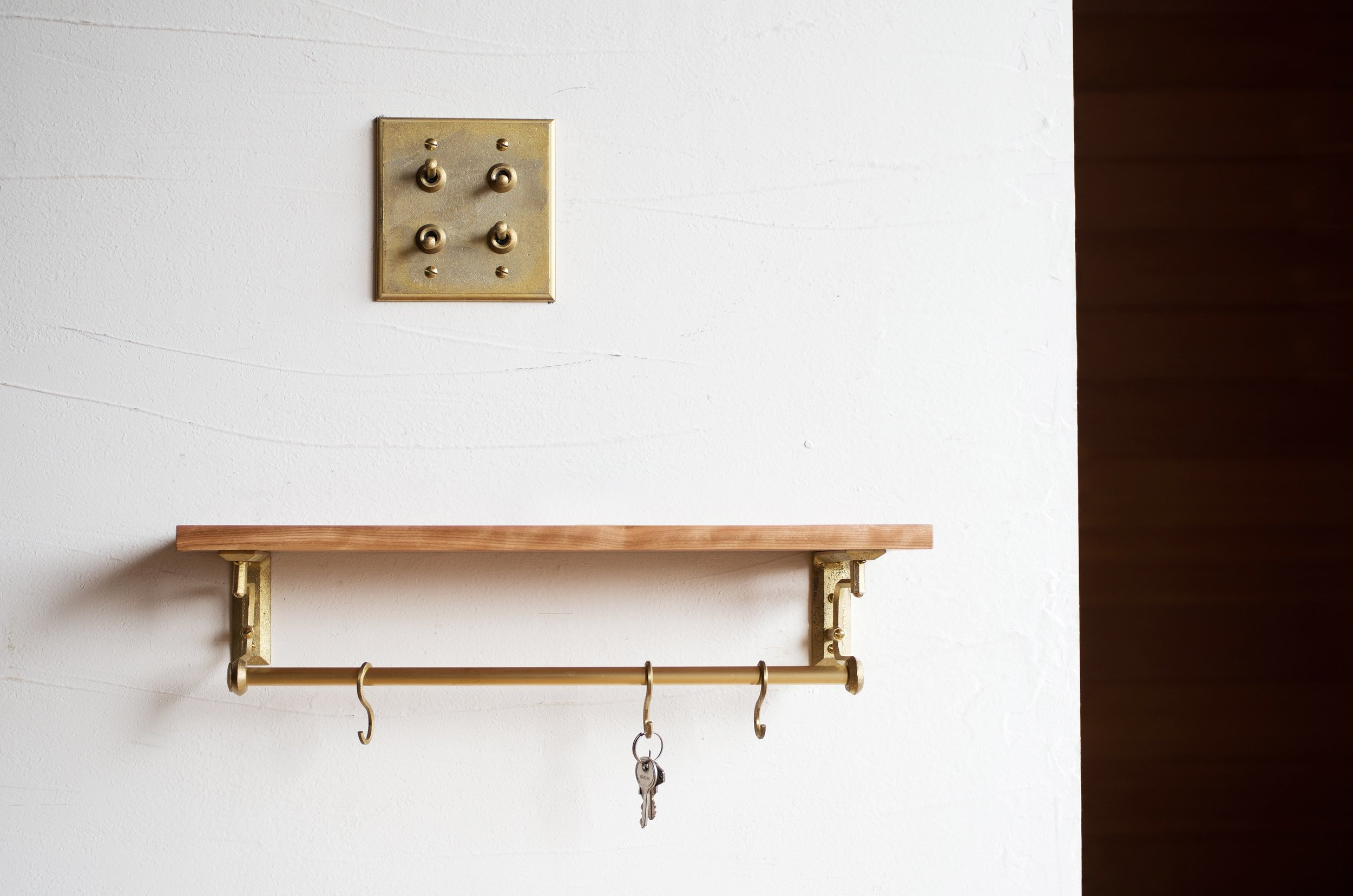 Native&Co_MATUREWARE_Shelf_Bracket_2.jpg