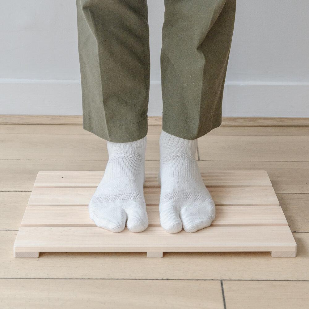 Native%26Co-Japanese-Wooden-Geta-Sandals-Tabi-Socks-5.jpg?format=1000w