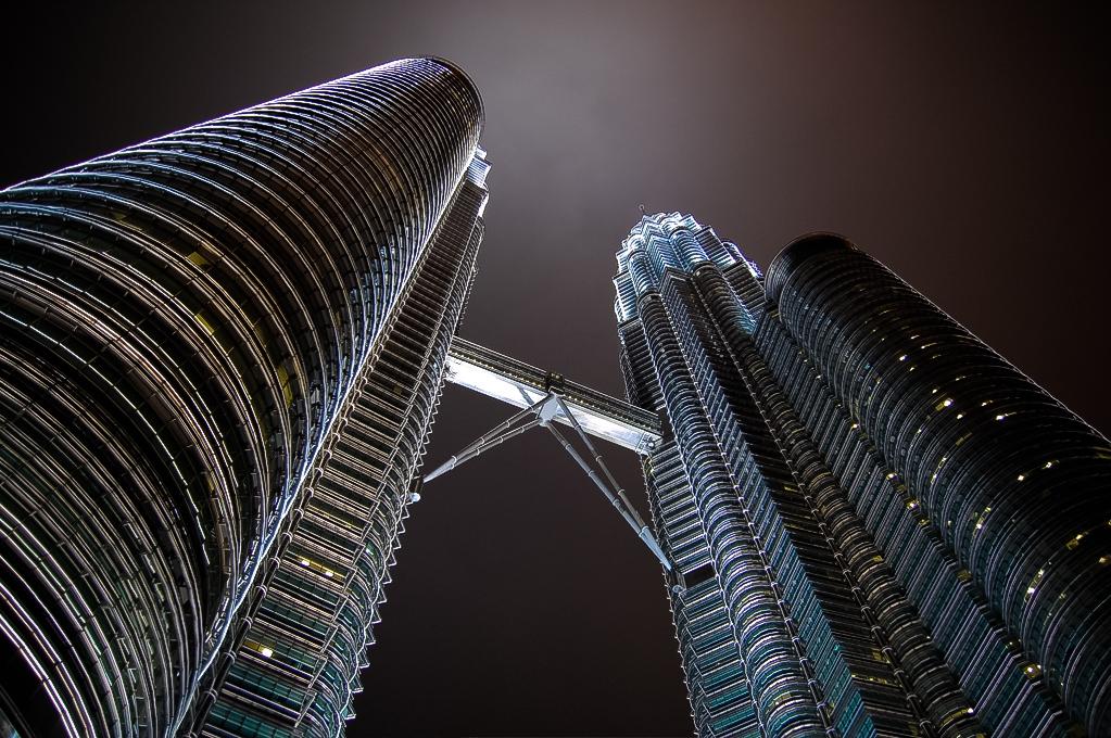 14_13_12_11_10_9_8_7_6_5_4_3_2_1_Petronas Towers @ Night - Kuala Lumpur.jpg