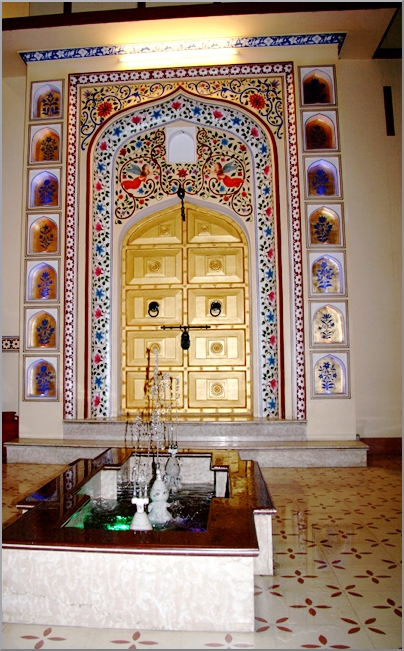 "The golden door ""Gateway"" at the interior court yard, the beautiful Hotel Umaid Bhawan, Jaipur."