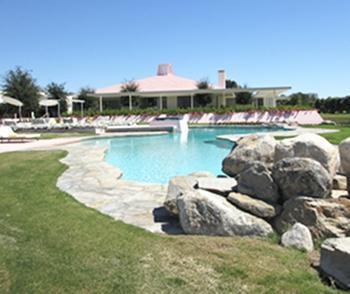 4 house pool 350procks.JPG